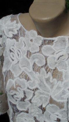 Купить или заказать Блуза в технике Шерстяное Ришелье в интернет-магазине на Ярмарке Мастеров. Эта блуза-результат эксперимента по созданию новой техники Шерстяное Ришелье. Эксперимент заснят на видео и выставлен в магазине для желающих освоить. Будет продаваться в Москве на выставке Формула Рукоделия 25-28 сентября.…