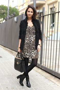 Street Style looks: Leopard cami dress by Asos, Charol boots by Zara, Vintage bag by Marks & Spenser. Coatigan by Asos. More pics on www.styleinlimablog.com