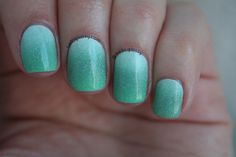 sparkle ombre ocean nails : hello glossy
