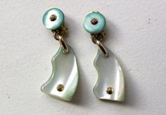 40s French Depose green dyed MOP mother of pearl shell dangle earrings with goldtone studs