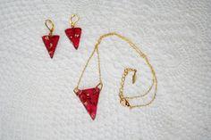 Retrouvez cet article dans ma boutique Etsy https://www.etsy.com/ca-fr/listing/472334171/bijoux-fine-chaine-couleur-or-pendentif