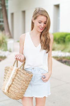the perfect denim skirt | how to style a denim skirt | how to wear a denim skirt | summer fashion | summer style | fashion for summer | style ideas for summer | warm weather fashion | fashion tips for summer || a lonestar state of southern