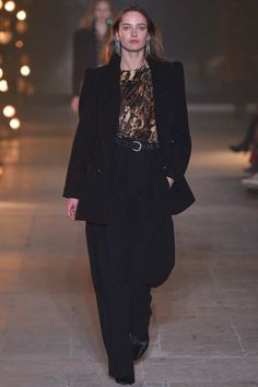 Isabel Marant Fall 2017 Ready-to-Wear Fashion Show - Karmen Pedaru (IMG)