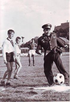 Futbalový štadión v Nitre okolo 1968. V pozadí Aujeského mlyn. Pri lopte kozmonaut German Titov. Cosmos, Che Guevara, Art, Art Background, Kunst, Performing Arts, Space, Outer Space