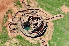 La fortificación y el pozo de más de 4.000 años de Motilla del Azuer (Ciudad Real).