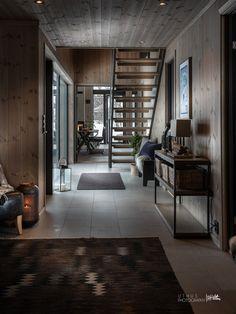 Nyoppført, lekker hytte levert av Sjemmdalhytta | FINN.no Dream House Exterior, Cabins In The Woods, Cottage Homes, Beach House, House Ideas, House Design, Interior Design, Architecture, Baby 2017