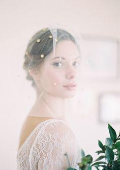 style | gold polka dot veiling | repin via: raphaëlle seraphina