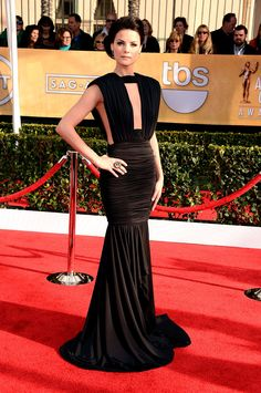 SAG Awards 2013: Jaimie Alexander, en un look de Marc Bouwer FW 12.