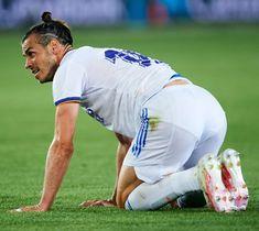 Man Pad, Soccer Guys, Gareth Bale, Sexy Men, Hot, Running, Mens Tops, Slip, Sport