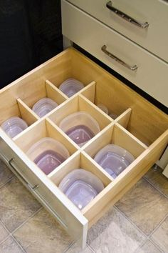 Pictures of Kitchen Cabinets: Beautiful Storage & Display Options Organization ideas for the home Kitchen organization ideas Kitchen cabinets ideas Kitchen cabinets organization Diy kitchen cabinets Kitchen cabinet hardware Kitchen Organization, Organization Hacks, Kitchen Storage, Kitchen Decor, Smart Kitchen, Organizing Ideas, Kitchen Drawers, Organized Kitchen, Awesome Kitchen