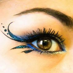 Fairy eye makeup detail