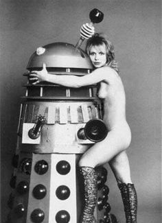 The most fashionable of all the Doctor Who companions, the one and only Katy Manning Vintage Robots, Retro Robot, Anais Nin, Science Fiction, Mad Science, Philosophy Of Science, Doctor Who Companions, Stars Nues, Space Girl