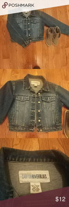 Canyon River Blues Denim Jacket Jean Jacket - Just the right color wash. Deep Pockets. Gently Worn and Broken in. 100% Cotton Jackets & Coats Jean Jackets