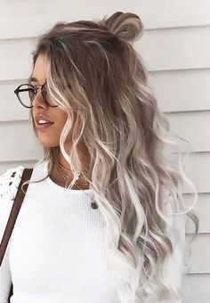 28 Top Blonde Ombre Hair Color Ideas for 2019 - Style My Hairs White Ombre Hair, Brown Blonde Hair, Blonde Wig, Ombre Hair Color, Hair Color Balayage, Blonde Balayage, Blonde Highlights, Black Hair, Blonde Hair With Color