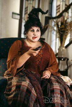 Hocus Pocus Mary Sanderson Hair + Makeup Tutorial | Halloween ...