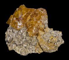 Scheelit (wolframian wapnia) tw 4,5-5; utw hydrotermalne, pneumatolityczne, pegmatyty