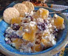 Make and share this Pineapple Cottage Cheese Salad recipe from Genius Kitchen. Cottage Cheese Salad, Cottage Cheese Recipes, Healthy Side Dishes, Healthy Snacks, Lean Breakfasts, Cranberry Cheese, Cheese Snacks, Pineapple Recipes, Side Salad