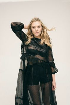 Elizabeth Olsen photographed by Todd Cole for L'Officiel Paris Elizabeth Chase Olsen, Elizabeth Olsen Scarlet Witch, Beautiful Celebrities, Most Beautiful Women, Beautiful Actresses, Celebrity Crush, Celebrity Style, Olsen Sister, Olsen Twins
