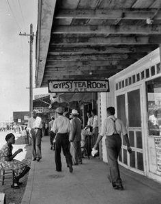 Outside the Gypsy Tea Room in Deep Ellum, Dallas, 1939.