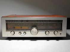 Luxman R 1050 Stereo Receiver