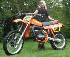 Mx Bikes, Sport Bikes, Cool Bikes, Harley Dirt Bike, Dirt Bike Girl, Vintage Motocross, Vintage Racing, Motorcross Bike, Damier