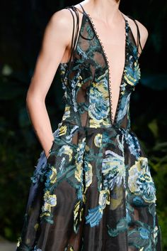 Erdem Spring 2015 Ready-to-Wear - Collection - Gallery - Style.com #fashion #runway #details