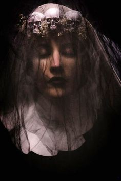 Sheridan's Art #gohtic #veiled #portrait