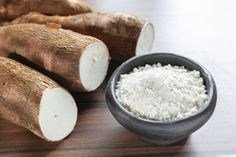Like other starchy vegetables, yuca can be served fried, boiled, grilled or mashed as a side dish with your favorite foods. Yucca Root Recipes, Yucca Fries, Vegetarian Types, Healthy Crackers, Nutrition For Runners, Salsa Picante, Starchy Vegetables, Healthy Food Choices, Gluten Free Desserts