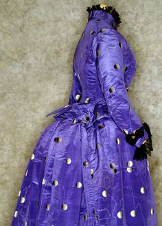 Silk ensemble with dots, 1887-89. Via the Authentics Collection of the Tirelli Trappetti Foundation