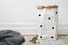 Gepunktete große Papier Tasche Lagerung von Büchern, Zeitschriften oder Teddybären - Interieur
