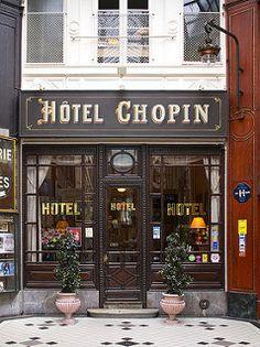 Jouffroy the charming & always filled with ambiance Hôtel Chopin in Paris.the charming & always filled with ambiance Hôtel Chopin in Paris. Paris Hotels, Hotel Paris, Restaurant Hotel, H Hotel, Boheme Boutique, Piscina Hotel, Galerie Vivienne, Shop Facade, Inspiration Design