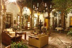 """La UNESCO le otorgó a Michoacán el reconocimiento con el título de """"La Cocina Tradicional Mexicana, cultura ancestral y viva"""", ya que cuenta con una amplia variedad de platillos que los amantes de la cocina tradicional transmiten en sentido oral a las futuras generaciones para mantener su platillos en cada rincón michoacano. Degusta su sabor en Morelia de l a mano del Hotel Alameda. http://www.hotel-alameda.com.mx/"""