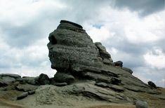 Imagini pentru imagini cu MUNTI BUCEGI Romania, Mount Rushmore, Lion Sculpture, Statue, Mountains, Travel, Beautiful, Viajes, Destinations