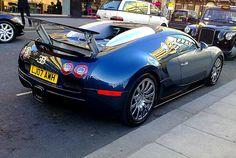 Best Photos Around The World: Bugatti Veyron-Car