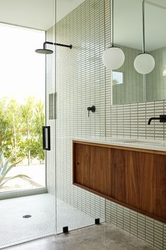 Photo 1 of 39 in Best Bath Glass Tile Photos from Before & After: A Run-Down Midcentury in Southern California Goes From Eyesore to Head Turner - Dwell Decor Inspiration, Bathroom Inspiration, Bathroom Interior, Modern Bathroom Tile, Design Bathroom, Kitchen Design, Bathroom Ideas, Glass Tile Bathroom, Bathroom Trends