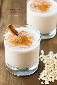 Cinnamon Bun Breakfast Smoothie - made with banana, oats, cinnamon, almond milk, water and low fat cream cheese. Booton Booton {Cooking Classy} Replace cream cheese with yogurt Smoothie Recipes With Yogurt, Yogurt Smoothies, Smoothie Drinks, Healthy Smoothies, Healthy Drinks, Healthy Snacks, Healthy Life, Smoothie Ingredients, Healthy Cooking