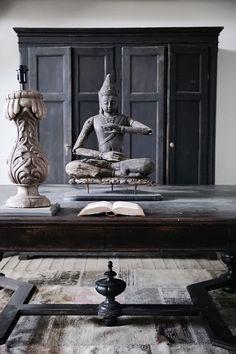 ♅ Dove Gray Home Decor ♅ zen room in greys Burma Myanmar Travel Honeymoon Backpack Backpacking Vacation Asian Interior, Interior Styling, Interior Decorating, Zen Decorating, Japanese Interior, Interior Modern, Interior Design, Sala Zen, Chinoiserie