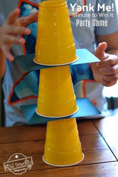 Over 10 Easy Minute to Win It Games that are Kid Friendly with a Fall Theme. These Thanksgiving Party games are perfect for kids, teens and adults. The whole family will enjoy these hilarious Thanksgiving or Fall Games to Play with Kids. Fall Party Games, Dinner Party Games, Fall Games, Halloween Party Games, Fun Teen Party Games, Olaf Party, Sleepover Activities, Nye Party, Sleepover Party