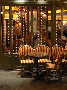 Paris café at Christmas