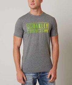 Oakley O-Headquarters O Hydrolix™ T-Shirt - Men s T-Shirts in Athletic  Heather Grey  6e023a091c5