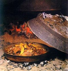 """Gročanski sač (Pig in an iron pan covered with ember) recipe 
