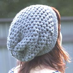 Puff Stitch Slouchy Beanie Crochet Pattern via Hopeful Honey ✭Teresa Restegui http://www.pinterest.com/teretegui/ ✭