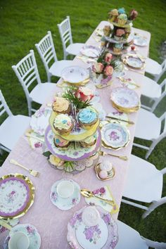 Birthday decorations elegant tea parties 21 new Ideas Girls Tea Party, Tea Party Birthday, Girl Birthday, Tea Party Decorations, Birthday Decorations, Floral Decorations, Vintage Tea Parties, Tea Party Table, Afternoon Tea Parties