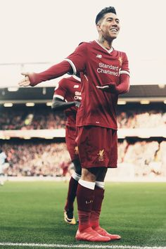 Roberto Firmino Edit Liverpool FC FootballYou can find Liverpool fc and more on our website. Time Do Liverpool, Liverpool Players, Liverpool Fans, Liverpool Football Club, Best Football Players, Football Is Life, Soccer Players, College Football, Liverpool Fc Wallpaper