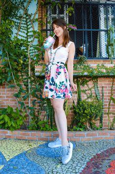 Antix cute dress Amo Antix  Hibisco Antix  Vestido com tênis