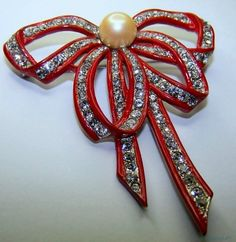 Marcel Boucher Bow Brooch is from 1939