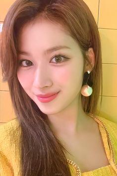 Nayeon, Kpop Girl Groups, Korean Girl Groups, Kpop Girls, Sana Cute, Sana Minatozaki, Chaeyoung Twice, Twice Once, Twice Kpop
