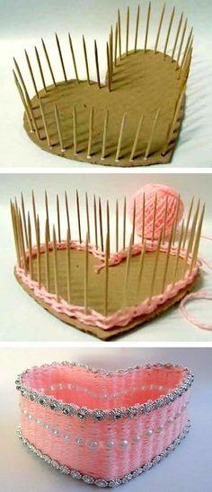 Ótima ideia para colocar chocolates e presentear quem você tanto ama :)