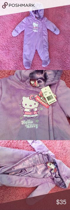 Hello Kitty baby girl coat 6 to 9 month Hello Kitty baby girl coat 6 to 9 month , Brand New With Tags . Color purple with hello kitty designs the inside is purple made of a soft material and the outside too. Is great for this winter season. ☃️❄️🌨☃️ I purchased this planing to use it for travel but want able to use it. Hello Kitty Jackets & Coats Puffers