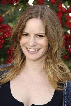 Jennifer Jason Leigh, Daughter of actor Vic Morrow